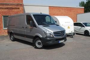 Mercedes Sprinter Euro6 maxlast 1095 kg Långvägslok för snabba långväga transporter, kan även dra släpet vid behov